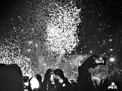 IMG_1023 (ylenia.mestriner) Tags: random concerts coldplay wembley the1975 milan fabrique lights atmosphere confetti awesome black white bw candle music crowd fun