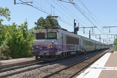 [FR-SNCF] BB 7340R pushed this train From Dijon Ville to Lyon @Gevrey-Chambertin 17/06/2017 DSC_4646_DxO (yael.flament1) Tags: bb7200 bb 7200 bb7200r r 7340 bb7340 bb7340r ter bourgogne corail 15kv 1500v gevreychambertin gevrey chambertin voyageurs passengers coaches
