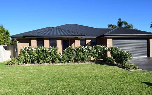 6 Avoca Place, Parkes NSW