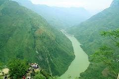 hagiang - Ma Pi Leng pass & Nho que river