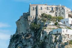 il Castello Mediovale di Peschici visto dalla spiaggia (MoJo0103) Tags: italien italia italy puglia apulien gargano peschici