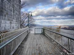 171107-36 Promenade des Gouverneurs (clamato39) Tags: villedequébec quebeccity provincedequébec québec canada passerelle ciel sky clnua structure autumn automne