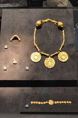Chicago, IL - Grant Park - Field Museum - Ancient Mediterranean Cultures in Contact - Roman Jewelry (jrozwado) Tags: northamerica usa illinois chicago museum fieldmuseum naturalhistory grantpark roman jewelry