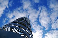 Tubulaire (Atreides59) Tags: nord lille villeneuve d ascq villeneuvedascq ciel sky nuages clouds blue bleu blanc white curves courbes up pentax k30 k 30 pentaxart atreides atreides59 cedriclafrance