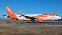 easyJet Airbus A320-2 G-EZRE (SjPhotoworld) Tags: spain andalucia andalusia andalusië costadelsol costa malaga malagaturismo pablopicasso agp lemg airport airliner aviation aircraft airplane airline avgeek airliners airlines arrival airbus a320 airbusa320 plane passenger passengerjet planespotting easyjet ezy winglets sharklets fr24 flickr flickrelite transport travel canon canonef24105mmf4lisusm orange challenge jet