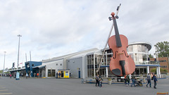 Violon gigantesque, Port de Sydney, Nouvelle-Écosse, Canada - 2647 (rivai56) Tags: sydney novascotia canada ca port nouvelleécosse norwegiandawnatsydneyharbor violon gigantesque