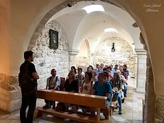 26 - Zarándokok a Tej-barlangban / Pútnici v Jaskyni Mlieka