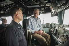 SECNAV Richard V. Spencer speaks to Capt. Joseph Olson aboard USS America. (Official U.S. Navy Imagery) Tags: lha6 america ussamerica sailors usnavy people amphibiousassaultship deployment secnav secretaryofthenavy thanksgiving moral allhands southchinasea