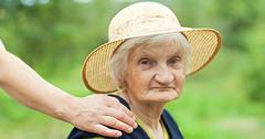 Schwache Gesundheit im Alter - diese Anzeichen gibt es (gesundheitsmagazin) Tags: alzheimer anzeichen arbeit atem auge augen behandlung beschwerden beziehung brille demenz erkrankungen fit fitness gelenk gelenke gesund gesundheit herz knochen körper krank leben lebensjahr lebensjahren leistung liebe medizin menschen mund muskeln natürlich pflege probleme psychischeerkrankungen sport wickel wirkung zähne