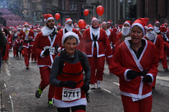 santa dash, glasgow (werewegian) Tags: santa dash glasgow city centre charity fun run 5k werewegian dec17
