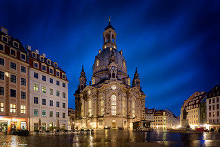 Frauenkirche in Dresden at beautiful blue hour
