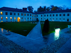 Courtyard at Night (alfsan) Tags: crepuscolo pioggia blue rain cortile università savoia langhe gusto