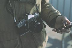 praktica (Frédéric T. Leblanc) Tags: film praktica 35mmfilm filmlook grain grainy fujica pentax cinema cinematic moment inthemoment teen teenager amateur vibe color kodak kodakgold