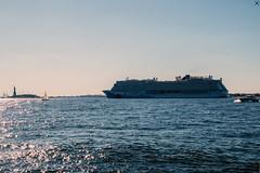 Norwegian Breakaway (FOXTROT|ROMEO) Tags: kreuzfahrzt norwegian norwegianbreakaway ship boat statue libertyfreiheitsstatueusanynycnew york newyork ocean sky