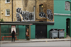 Onue / Oker / Moolah (Alex Ellison) Tags: onue ac oker gsd moolah throwup throwie southlondon urban graffiti graff boobs