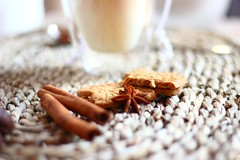 Chai Natale (Nathalie_Désirée) Tags: christmas atmosphere ambiance tea chai chailatte spices cinnamon anis macro closeup advent sunday afternoon wellness enjoy canoneo600d canon50mm glass teatime cookie almondbiscuit spekulatius home indoor