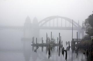 Siuslaw River Bridge, foggy morning