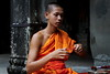 Angkor Wat Monk (Strocchi) Tags: monk manoco angkorwat temple tempio canon eos6d 24105mm siemreap