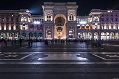 _DSC0872 (m.krema) Tags: milano lombardia italia it galleria duomo piazza vittorioemanuele lungaesposizione treppiedi nisi clearnight architettura colore luci