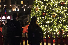 Union Square (Jay Pasion) Tags: jaypasion nikon d7500 unionsquare sanfrancisco sf california bayarea dowtown night photography people lights christmas christmastree