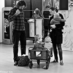DSCN4527 (Akbar Simonse) Tags: alphenaanderijn holland netherlands nederland people candid man woman children luier diaper streetphotography straatfotografie inside zwartwit bw blancoynegro bn monochrome vierkant akbarsimonse