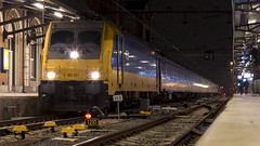 Intercity Brussels about to leave Dordrecht for Rotterdam (Nicky Boogaard) Tags: ns nmbs beneluxtrein icbrussel nederlandsespoorwegen e186 bombardier spoorwegen dmrailway railway railroad dordrecht dordrechtcs