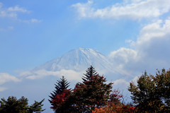 First Time We Met (arbivi) Tags: mtfuji fujisan fuji mountfuji snowcap lake kawaguchiko kawaguchi sky clear weather clouds yamanashi shizuoka japan autumn fall foliage koyo worldheritage canon 60d tamron arbivi raymondviloria