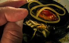 "Linguine alla marinara (Roberto Monti) Tags: clams ""fingertips mussels fingers fingertip fingertips ""macro macromondays food pasta marinara both uniquedish platter"