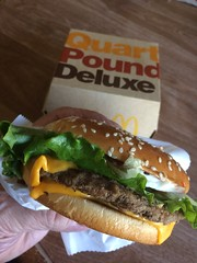 Quarter Pound Deluxe (Brave Heart) Tags: hungry quarterpounder fastfood eatout cheeseburger mcdonalds