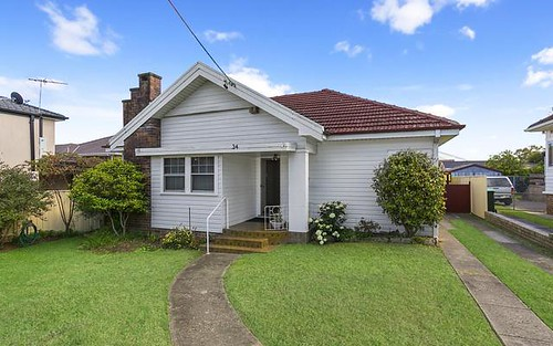 34 Buckland St, Greenacre NSW 2190