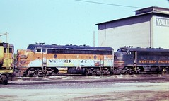 Western Pacific F7A locomotives at Stockton California in 1977 (Tangled Bank) Tags: train trains railway railways railroad railroads old classic heritage vinyage california vintage north american motive power 1970s 70s