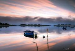 The boat (Soregral) Tags: leverdesoleil sunrise ciel brittany mer techniquephoto leefilter poselongue paysage sea seascape bateau cloud nuage bretagne sky boat longesxposure nikond750 filé
