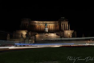 Altare della Patria by night.