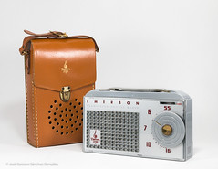 Emerson Model 838 with case, Circa 1955, Made in USA by Emerson Radio Corporation, N.Y. (José Gustavo Sánchez González) Tags: gustavo emerson transistorradio josegustavo hybrid usa emerson838 horizontal reversedpainted