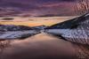 se acaba el día (raulmiguelmantilla) Tags: montaña lago puesta de sol agua lake sundaylights