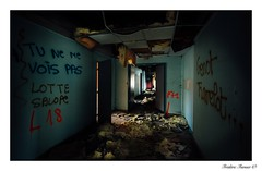 Arpenter les couloirs... (asterfred71) Tags: saôneetloire light urban urbex école school couloirs uga tokina nikon