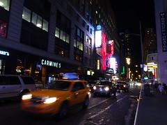 Live from New York (Mariah Aversa) Tags: newyork cab taxi carmines street urban lights luzes cidade urbano noite night us eua usa estadosunidos novayork ny nyc manhattan timessquare 44th
