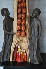 Maison des enfants d'Izieu (01) : « Ne pas oublier »  sculpture de Marie Mathias (odile.cognard.guinot) Tags: ain auvergnerhônealpes rhônealpes izieu mémorialdesenfantsjuifsexterminés maisondizieu nepasoublier mathiasmarie