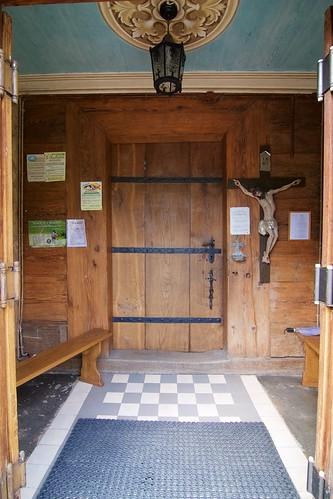 Wnętrze kruchty południowej kościoła Niepokalanego Poczęcia NMP w Jasienicy Rosielnej
