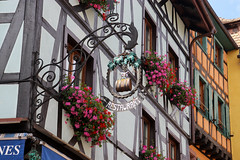 Vacances_0256 (Joanbrebo) Tags: riquewihr grandest francia fr hautrhin alsace streetscenes street carrers calles cityscape canoneos80d eosd efs1855mmf3556isstm autofocus signs letrero