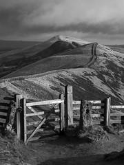 The Great Ridge (l4ts) Tags: landscape derbyshire peakdistrict darkpeak thegreatridge mamtorlosehillridge gate fence hollinscross barkerbank backtor losehill blackwhite monochrome