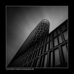 Toblerone (H. Roebke (offline for a while)) Tags: 2017 architektur brawopark braunschweig building canon1635mmf28lisiii canon5dmkiv fassade fläche formen lightroom muster toblerone architecture bw gebäude pattern quadrat shapes graufilter nd1000 architecure