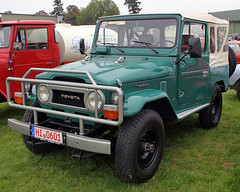 Land Cruiser (Schwanzus_Longus) Tags: 4x4 asia asian cruiser durable german germany green hildesheim japan japanese land offroader rag roof rugged soft toyota vehicle technorama top landcruiser car fahrzeug auto outdoor laster old classic vintage awd 4wd offroad