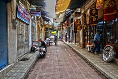 Tire Bazaar (Tünay Kasımoğlu) Tags: tirebazaar sonynex6 e1018mmf4 bazaar peoples