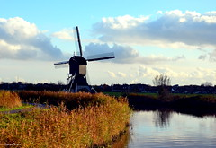 Landscape with mill (JaapCom) Tags: jaapcom landscape clouds mill moulin molen molino polder water kinderdijk dutchnetherlands paysbas holland historisch zuidholland nikond5100
