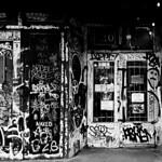 Vintage Shop Entrance on Rue Saint-Laurent thumbnail