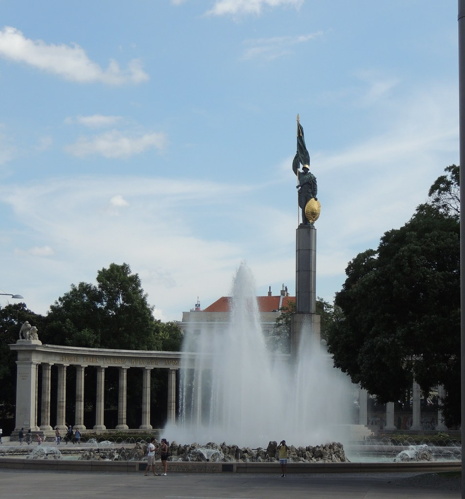The Worlds Most Recently Posted Photos Of Schwarzenbergplatz And