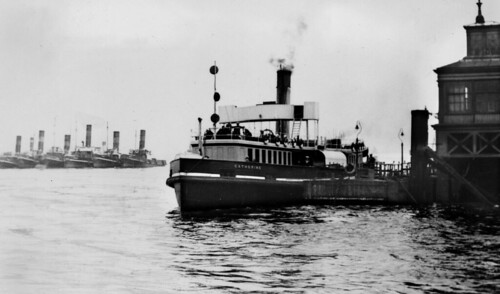 kent - ex lt&sr ferry catherine at gravesend pier 22-8-1931