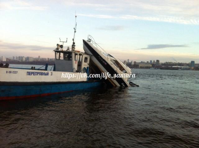 НаВолге столкнулись два судна