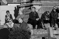 Just waiting (Geordie_Snapper) Tags: autumn canon70200mmf4islusm canon7d2 helmsley marketday northyorkshire october people street sunny
